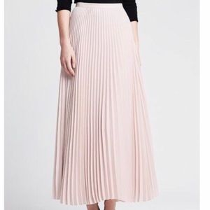 Romantic Banana Rep Blush Pleated Maxi Skirt NWT